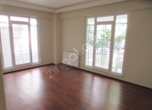 Cihangirde 2+1 yeni binada 80 m2 y. Giriş kiralık daire - Salon