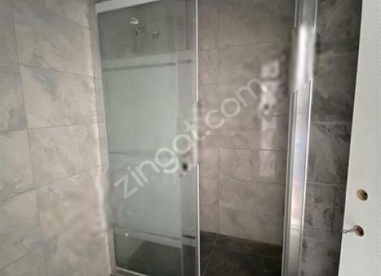 Seferihisar'da Satılık Ferah,Geniş Balkonlu,Manzaralı Daire - Banyo