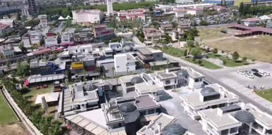 Forum Bornova'da Satılık Sıfır Triplex Ticari Villa - Site İçi Görünüm