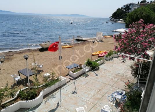 Büyükkumla da denize sıfır özel plajı bulunan 2+1 daire - Manzara