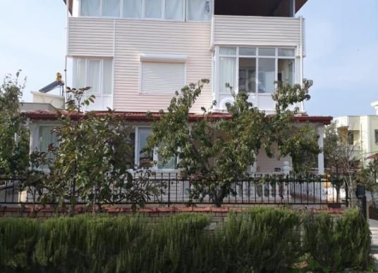 Dikili İsmetpaşa'da Satılık 310 m2 arsada Müstakil Ev - Dış Cephe