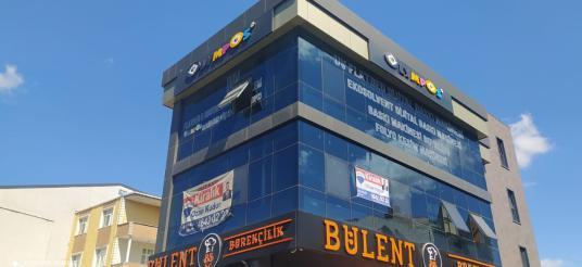 Cadde Üstünde 125 m2 İskanlı Full Yapılı Kiralık Ofis - undefined