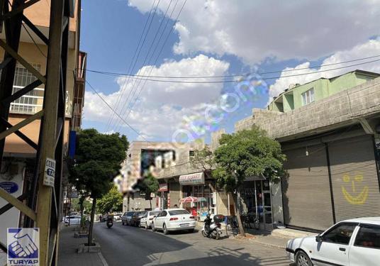 Turyap'tan Cumhuriyette Gümüş Tekin CaddesiÜzeri Kiracılı İşyeri - Sokak Cadde Görünümü