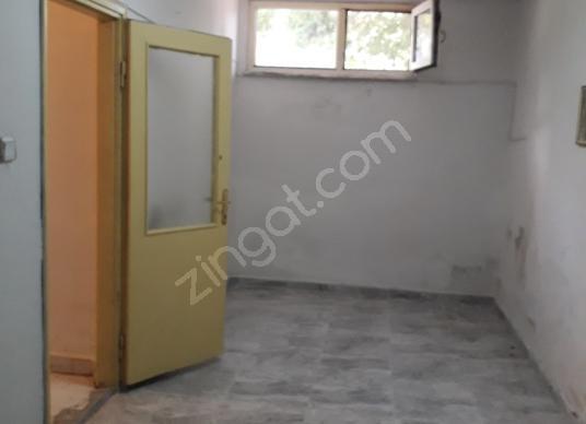 Kartal Uğurmumcui'da Kiralık 1+1 kapıcı dairesi - Salon