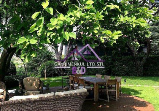 1000 M2 Bahçe içinde Boğaz manzarali Özel Müstakil - Bahçe