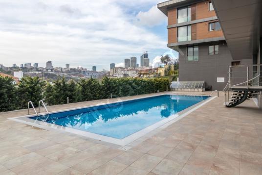 Ortaköy de 4+2, Butik Sitede Geniş Bahçe Kullanımlı ulus - Yüzme Havuzu