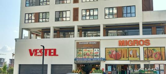 Bahçekent Tual Residence'te Kiralık Köşe Dükkan & İşyeri - Dış Cephe