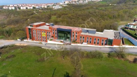 Başiskele Villalar Bölgesinde Satılık Komple Plaza - Manzara