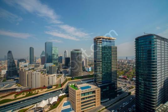Levent Metrocity'de satılık yüksek katta manzaralı 4+1 - Site İçi Görünüm