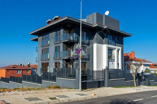 Çamlıca'da Boğaz Manzaralı Kiralık Konut ve Ticariye Uygun Bina - Dış Cephe