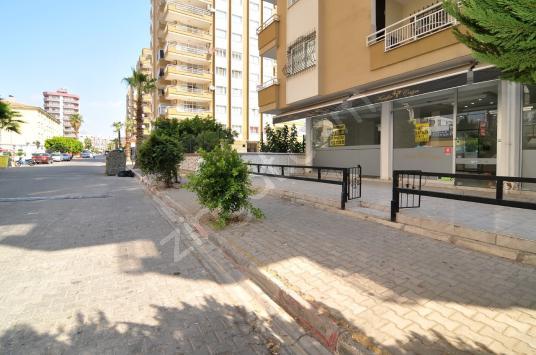 Erdemli Merkezde 126 m2 Dükkan - Sokak Cadde Görünümü