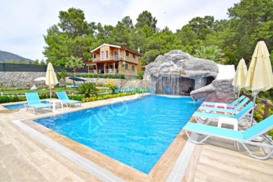 Çamköyde Kiralık 2+1 Müstakil Havuzlu Villa - Yüzme Havuzu