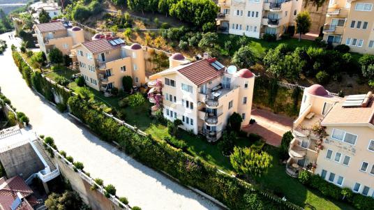 Alanya Gold City de Satılık 3+1 Villa ! - Site İçi Görünüm