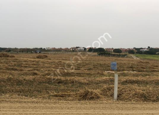 SİLİVRİDE SATILIK GÖL MANZARALI 250 M2 NET İMARLI ARSA - Arsa