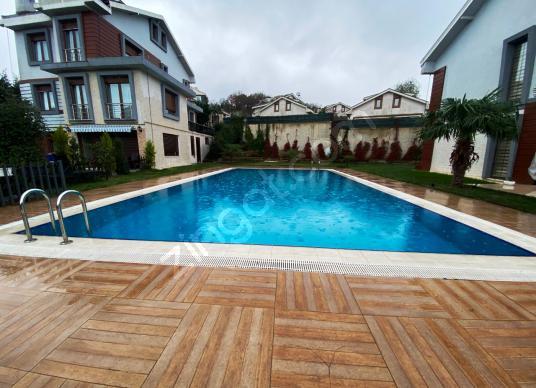 ZEKERİYAKÖY 3.KÖPRÜ YAKINI SIFIR 400m2 SATILIK TRİPLEKS VİLLA - Yüzme Havuzu