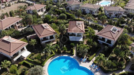 Antalya Kemer Çamyuva da Kiralık Lüks Villa - Site İçi Görünüm