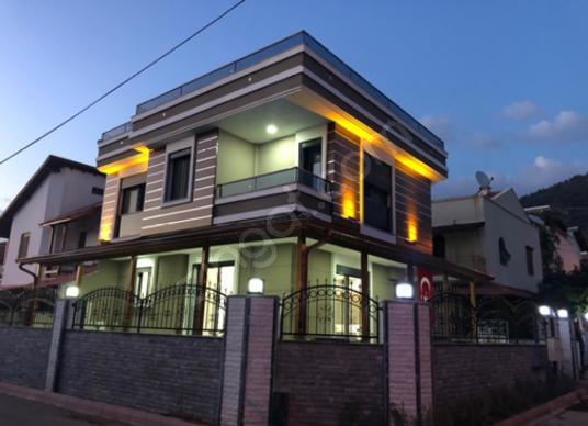 Tosun Emlaktan Muhteşem Tek Müstakil Villa - Dış Cephe