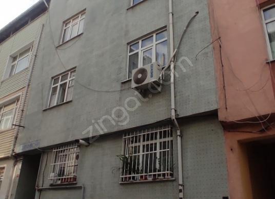 Bayrampaşa Vatan Mahallesinde Satılık Çatı Katı Daire - Dış Cephe