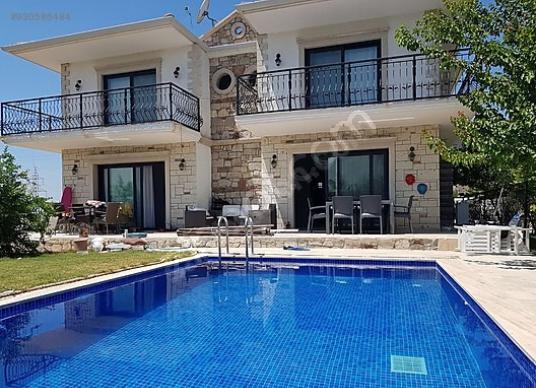 GÖKSEL GÖK KİRALIYOR   4+1 Havuzlu 4 Banyolu Villa - Yüzme Havuzu