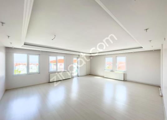 195 square meters 3+1 bedrooms Apartment For Sale in Pamukkale, Denizli - Salon