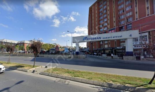 İkitelli Aykosan Sanayi Sitesinde Kiralık 2560 m2 Ticari Bina - Sokak Cadde Görünümü