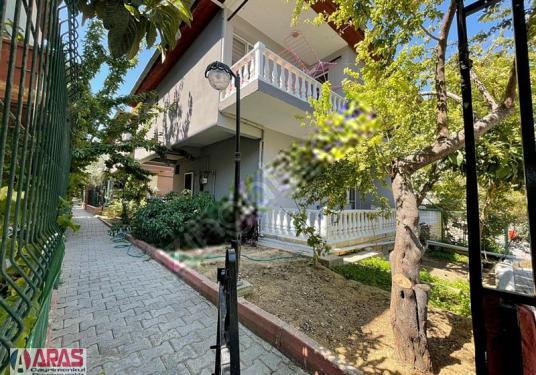 ARAS EMLAK Gazi Villalarında 4+1 220m² Eşyalı Kiralık Villa - Bahçe