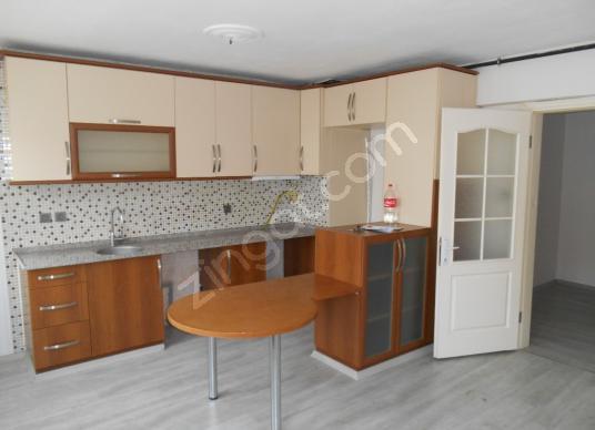 Evka-1 Egekent-3'de Temiz 3+1 Doğalgazlı Arakat - Mutfak