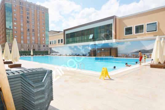 BEYLİKDÜZÜ ADNAN KAHVECİ'DE LÜX SİTE İÇİNDE 3+1 KİRALIK DAİRE..! - Yüzme Havuzu