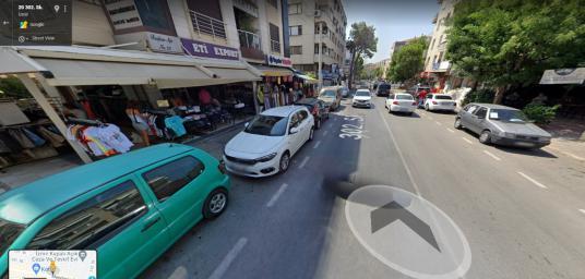 Şirinyer de Merkezi Yerde İşlek Caddede Dükkan - Sokak Cadde Görünümü