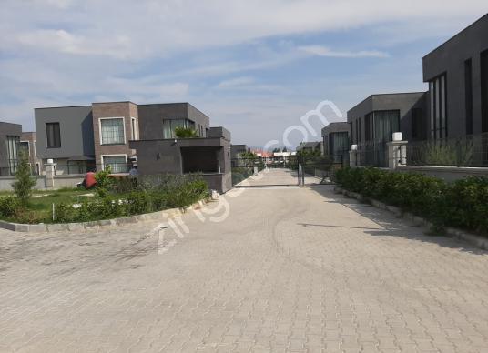 Menemen Villakent'te Satılık Konut İmarlı - Sokak Cadde Görünümü