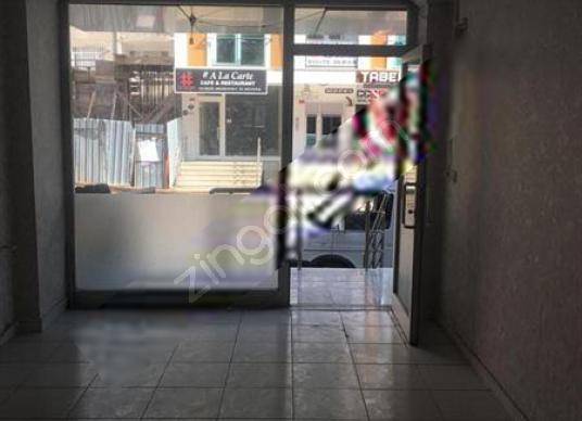Zümrüt Evler Tülin Cadesinde Satılık Fırsat Dükkan - Salon