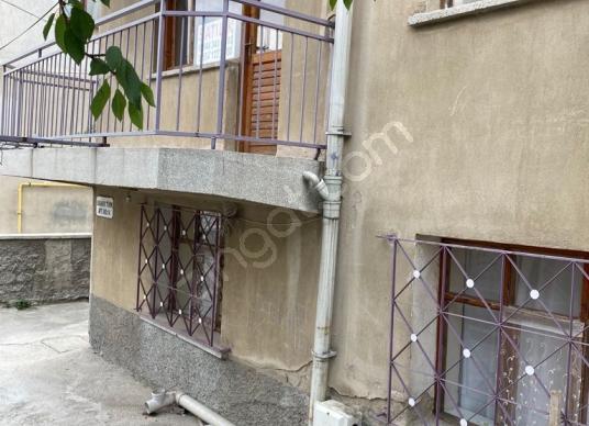 FATİH  MAHALLESİ  SOBALI  SATILIK  3+1 EKONOMİK  DAİRE - Balkon - Teras