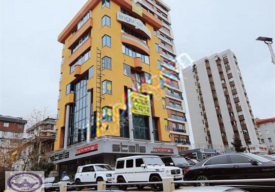 Kadıköy satılık bina minibüs yolunda kiracılı işmerkezi - Sokak Cadde Görünümü