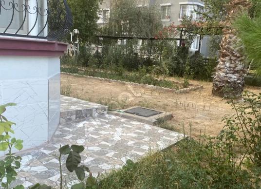 YÜKSEL EMLAKTAN 3+1 EBEVEYN BANYOLU DOĞALGAZLI ARA KAT DAİRE - Bahçe