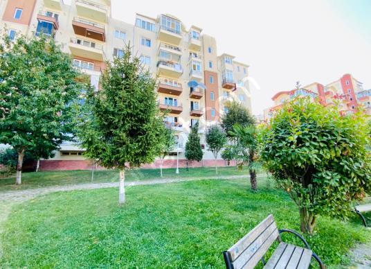 Bahçeşehir Boğazköy'de Yeşillikler İçerisinde 2+1 Satılık Daire - Site İçi Görünüm