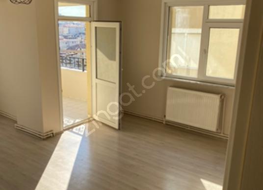 Ataşehir Site içi Yeditepe üniv. Alt kapı 3dk Mesafede 2+1 - Salon