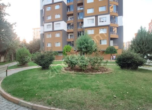 Gültepe'de kiralık lüx 4+1 daire -ZEKİ EMLAK - Site İçi Görünüm