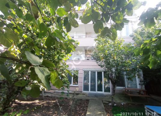 Beykent'te Merkezi Konumda Bahçeli 4 Katlı Satılık Bina - Bahçe